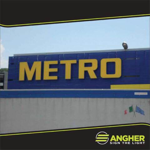 Insegna grande impianto METRO